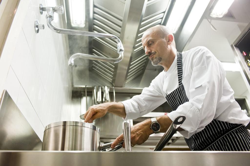 Antonio Facciolo in cucina